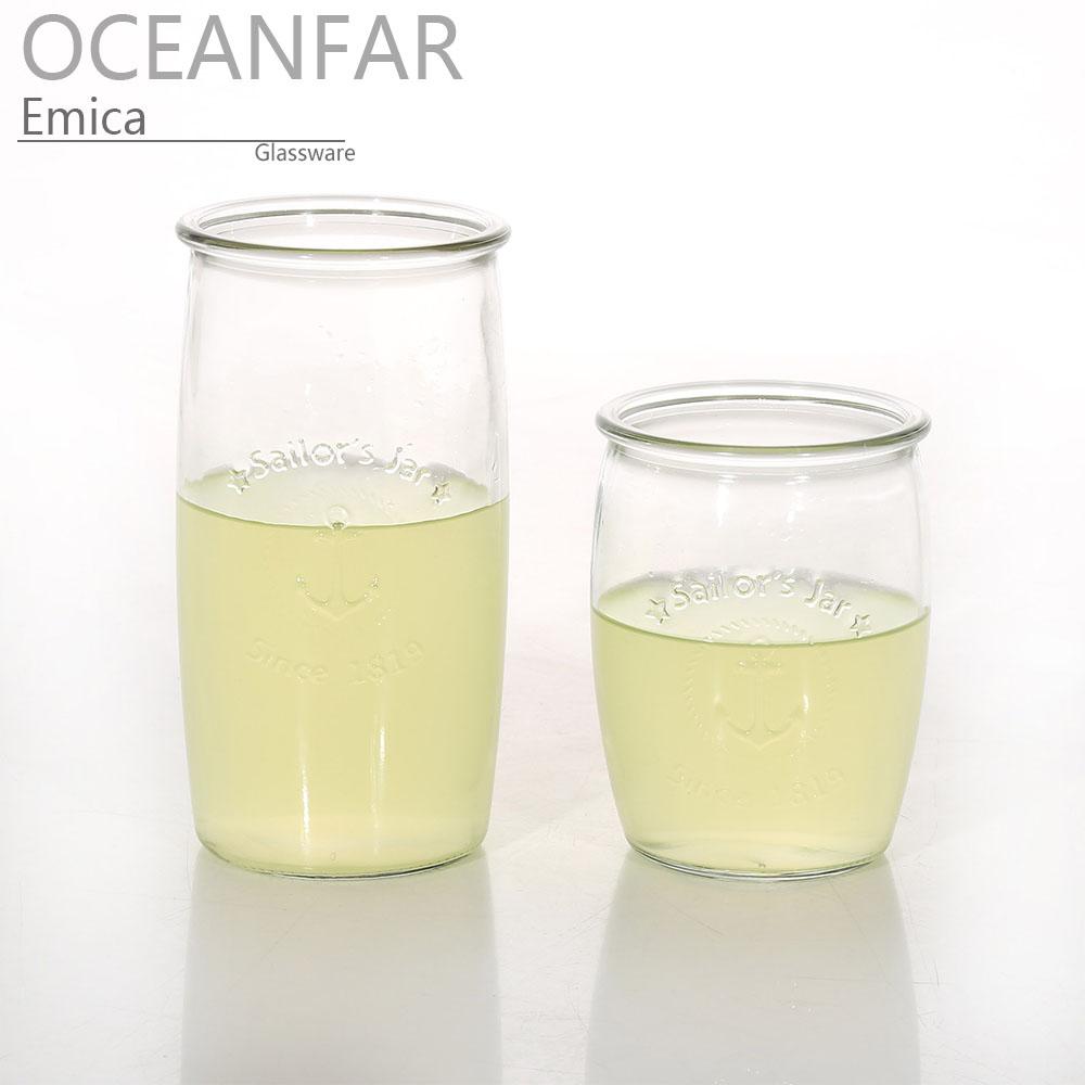 带浮雕图案的透明玻璃水杯
